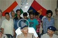 भोले बाबा की पूजा कर करते थे चोरी, पुलिस के हत्थे चढ़े 7 शातिर आरोपी