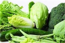 सब्जियों पर लगे कीटनाशकों को जड़ से साफ करें ये 5 उपाय