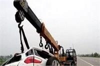 यमुना एक्सप्रेस वे पर डिवाईडर से टकराई तेज रफ्तार कार, 5 की हुई दर्दनाक मौत