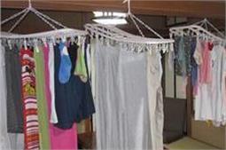 बरसात में गीले कपड़ों को सूखाने के आसान तरीके