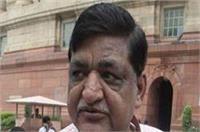 BJP नेता का एेलान, नरेश अग्रवाल को गंजा करने पर मिलेगा 1 लाख रुपए का ईनाम