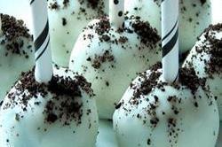 व्हाइट चॉकलेट ओरियो ट्रफल्स