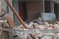 बरसात बनी आफत, मकान की छत गिरने से 3 की दर्दनाक मौत