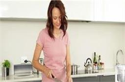 क्या आप जानते हैं, रोजाना काम आने वाले छोटे-छोटे किचन टिप्स?
