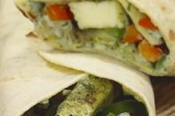 टेस्टी और स्पासी इंडियन पनीर Sandwich Wrap