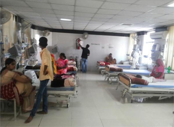Exclusive-रियलिटी चेक: यहां भी भगवान भरोसे मरीज, अस्पतालों में आग से निपटने के इंतजाम नाकाफी