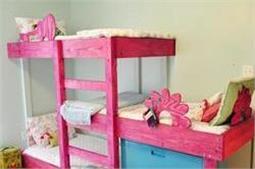 स्मार्ट तरीके से बनवाएं बच्चों का Triple bunk Bed