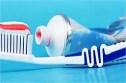 दांत ही नहीं, घर की चीजें चमकाने में भी मददगार है Toothpaste