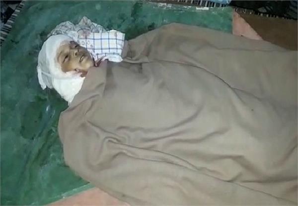 आवारा कुत्तों का आतंकः 5 साल की मासूम को नोच-नोच कर उतारा मौत के घाट, प्रशासन खामोश