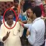 भाजपा नेता के बिगड़े बाेल-SP साहब आपके टीम में सब घाेड़े ही नहीं गधे भी हैं उन्हें हटाआे