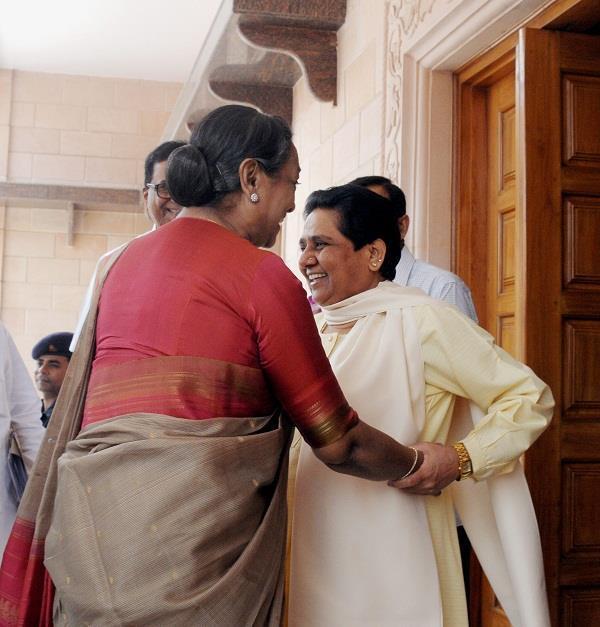 राष्ट्रपति पद की उम्मीदवार मीरा कुमार ने की मायावती से मुलाकात, मांगा समर्थन