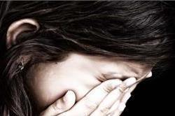 शर्मनाक : नाबालिग लड़की को एक साल से नोच रहा था दरिंदा