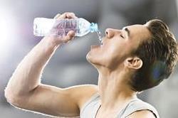 ज्यादा पानी पाने से भी हो सकते हैं सेहत को कई नुकसान