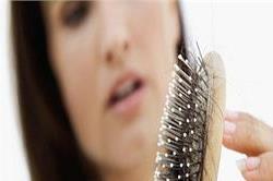 मानसून में झड़ते बालों को रोकते हैं ये 5 Foods
