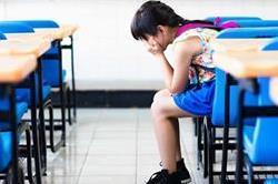 कहीं आपका पार्टनर या बच्चा तो नहीं हो रहें 'इमोशनल एब्यूज' का शिकार