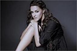 B'day Special: फेमिना मिस इंडिया में की मॉडलिंग, पहचान फिल्म 'जूली' से मिली
