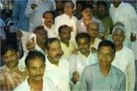 गोरखपुर मेडिकल कॉलेज में बच्चों की मौत को लेकर कांग्रेस ने निकाला कैंडल मार्च