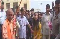 CM योगी ने यूपी में शुरू किया सफाई अभियान, अभिनेता अक्षय कुमार भी हुए शामिल