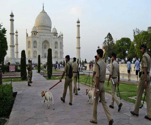 ताजमहल में बम की सूचना के बाद मचा हड़कंप, 4 घंटे चला सर्च आप्रेशन