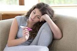 इन 5 वजहाें से महिलाअाें काे प्रेग्नेंसी में अाती है समस्या