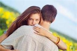 लड़कियों के टॉप 10 झूठ, जिन्हें ब्वॉयफ्रेंड भी नहीं समझ पाते!