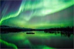 दुनिया की ऐसी जगहें, जहां देखने को मिलता है Natural Lighting का नजारा