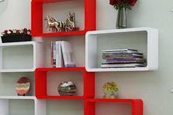 Floating wall shelf से घर को दें मॉडर्न टच