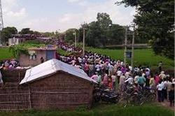इस जिद को लेकर मोबाइल टावर पर चढ़ी नाबालिग, पुलिस और ग्रामीणों के छूटे पसीने