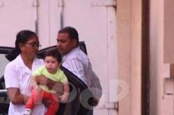 अमृता अरोड़ा के घर के बाहर स्पॉट हुए Cute तैमूर, ताजा तस्वीरें आई सामने