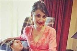 बुआ के Baby Shower में पहुंचे तैमूर, कई बॉलीवुड स्टार भी हुए शामिल