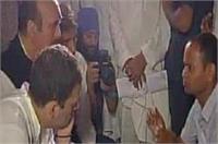 गोरखपुर पीड़ितों से मिले राहुल गांधी, दिया हरसंभव मदद का भरोसा