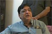 सपा नेता नरेश अग्रवाल ने ली शिवपाल पर चुटकी