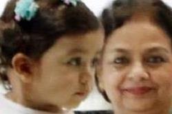 नानी-दादी संग शाहिद की बेटी मीशा निकली शॉपिंग पर, देखें तस्वीरें