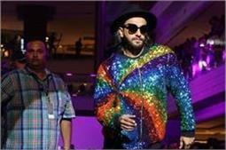 LFW 2017: Rainbow कलर के साथ रणवीर ने की रैंप वॉक