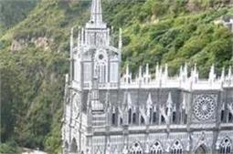ये है दुनिया के सबसे डरावने Churches, जहां जाना खतरे से खाली नहीं