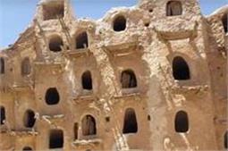 700 साल पुराने घोंसले जैसे घरो में रहते हैं ये लोग, यह है वजह!