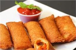 स्नैक्स में खाएं Cheese Maggi Bread Pocket