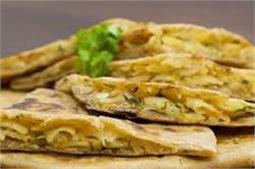 नाश्ते में ट्राई करें Macaroni Paratha