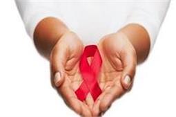 HIV को न करें नजरअंदाज, दिखने लगे ये लक्षण तो तुंरत करवाएं जांच