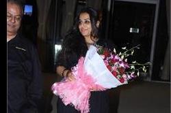 Vidya ने दिखाया ब्लैक के साथ बाउन का एेसा कॉम्बिनेशन, क्या आप भी करना चाहेंगे ट्राई?