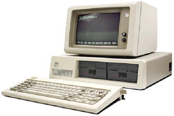 कम्प्यूटर की दुनिया का ऐतिहासिक दिन, 36 वर्ष पहले पेश हुआ था पहला PC
