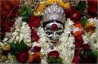 नवरात्र का दूसरा दिन: मां ब्रह्मचारिणी के दर्शन को उमड़ा भक्तों का जनसैलाब