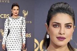 Emmys Awards 2017: प्रियंका के इस लुक ने ट्विटर पर मचा दिया तहलका