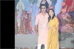 रणबीर के साथ दुर्गा पूजा में शामिल हुई आलिया, दिखा ट्रैडीशनल लुक