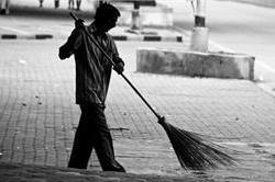 सफाई कर्मियों सामने फिर झुकी मेयर, वापिस रखें नौकरी से निकाले गए सफाई कर्मी