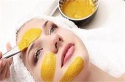 Skin से जुड़ी कई समस्याओं को दूर करता है बेसन