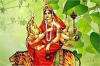 नवरात्र के तीसरे दिन चंद्रघंटा मां के दर्शन को मंदिरों में उमड़ी भक्तों की भीड़