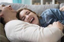 पति-पत्नी जान लें बैडरूम से जुड़ी ये खास बातें, हमेशा रहेंगे खुश