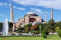 विश्व के खूबसूरत चर्च, अपनी वास्तुकला के लिए है दुनियाभर में मशहूर