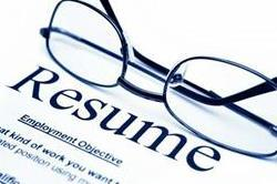 रिज्यूम में की गई इन गलतियों के कारण मिलने से पहले ही चली जाएगी नौकरी